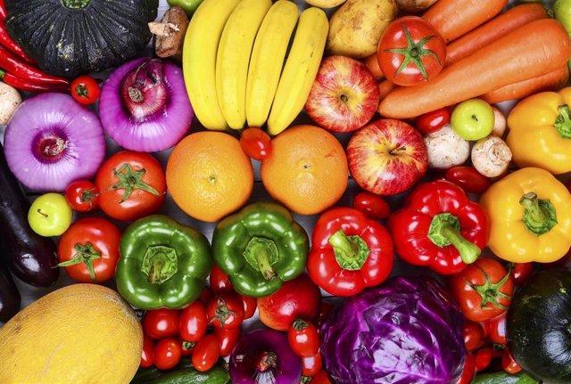 Archivo - Frutas y verduras. Alimentos. Vegetales. Productos alimentacios. Mercado