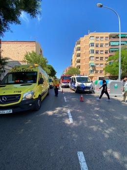 Un vehicle atropella cinc vianants al Prat de Llobregat.