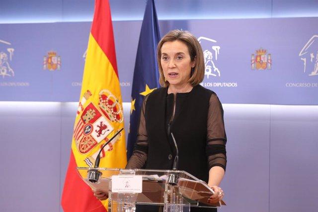 La portavoz del PP en el Congreso de los Diputados, Cuca Gamarra, interviene en una rueda anterior a una junta de Portavoces en el Congreso de los Diputados, a 1 de junio de 2021, en Madrid, (España).