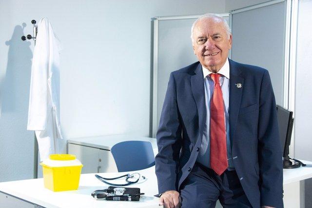 Archivo - Florentino Pérez Raya, presidente del Consejo General de Enfermería.