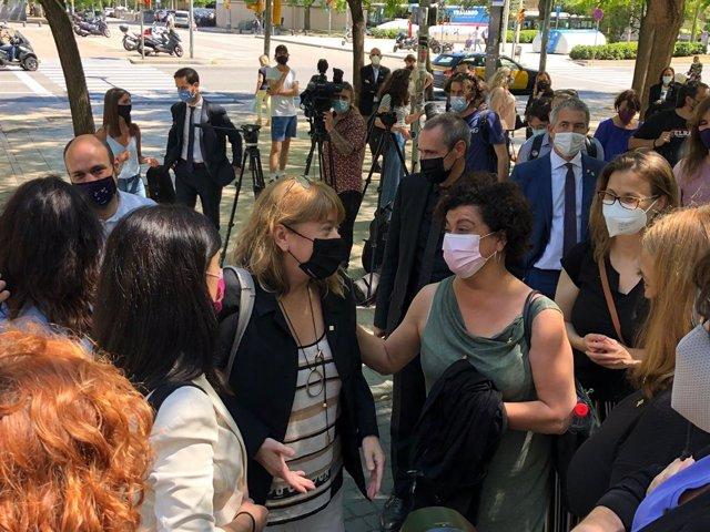 La consellera de Cultura, Natàlia Garriga, abans de citar davant la jutgessa que investiga 29 excàrrecs del Govern pels prepatius de l'1-O. A Barcelona, el 8 de juny del 2021.