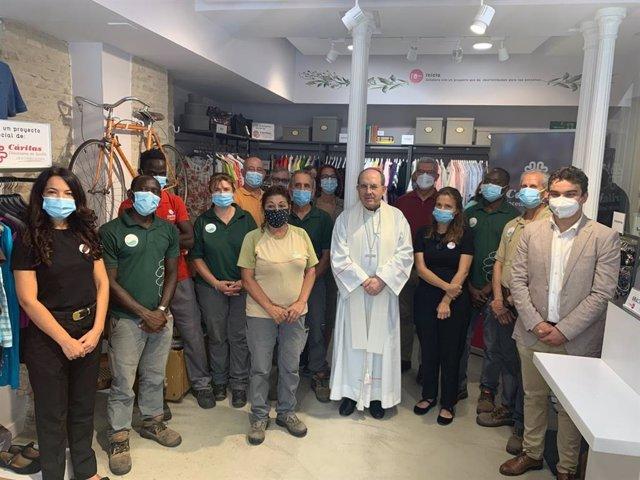 Cáritas abre su primera tienda solidaria en el centro