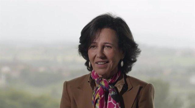 La presidenta de Banco Santander, Ana Botín, interviniendo vía online en el II Foro Económico Internacional organizado por Expansión el 8 de junio de 2021.
