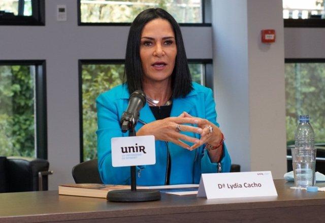 La periodista y activista en Derechos Humanos, Lydia Cacho, interviene en un seminario de UNIR