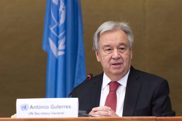 Archivo - FILED - 29 April 2021, Switzerland, Geneva: UN Secretary-General Antonio Guterres speaks during a press conference at the end of the UN Informal 5+1 Meeting on Cyprus. Guterres urges Israel to halt the demolitions and evictions, in line with its
