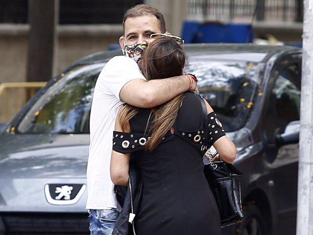 David Flores, con una amiga de Olga Moreno