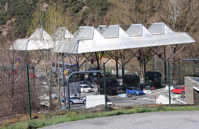 Archivo - La Aduana de la Farga de Moles, que limita Andorra con España
