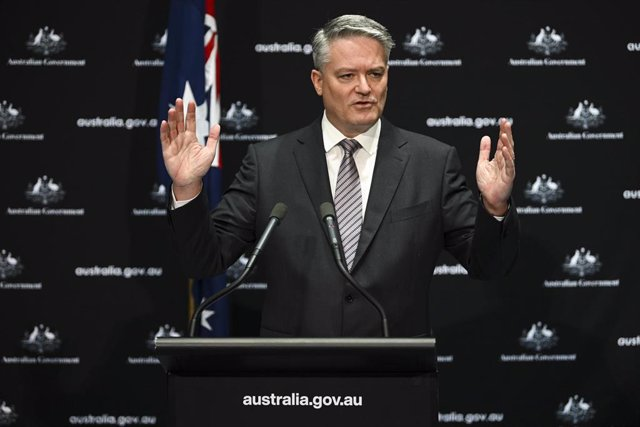 Archivo - Australian Finance Minister Mathias Cormann speaks during a press conference at Parliament House in Canberra, Friday, September 25, 2020. (AAP Image/Lukas Coch) NO ARCHIVING