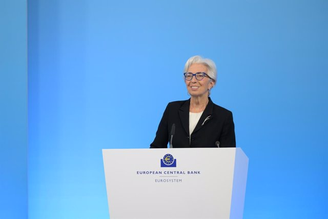 """Archivo - FILED - 11 March 2021, Frankfurt: European Central Bank (ECB) President Christine Lagarde speaks during a press conference following the meeting of the Governing Council of the European Central Bank. Lagarde said the ECB was monitoring """"very car"""