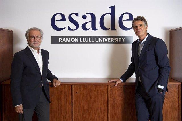 El ex presidente del patronato de Fundación Esade, Xavier Torra, y el que asumirá su relevo el próximo 12 de julio, Jaume Guardiola