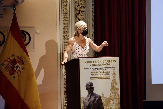 La consejera de Cultura y Patrimonio Histórico, Patricia Del Pozo, durante la presentación del libro 'Inspiración, trabajo y constancia. Trayectoria personal y profesional del arquitecto Aníbal González Álverez-Ossorio' en Sevilla