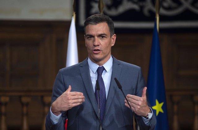 El presidente del Gobierno, Pedro Sánchez comparece ante los medios de comunicación junto al primer ministro de la República de Polonia, en la XIII Cumbre hispano-polaca, a 31 de mayo de 2021, en Alcalá de Henares, Madrid (España). Durante esta cumbre, el