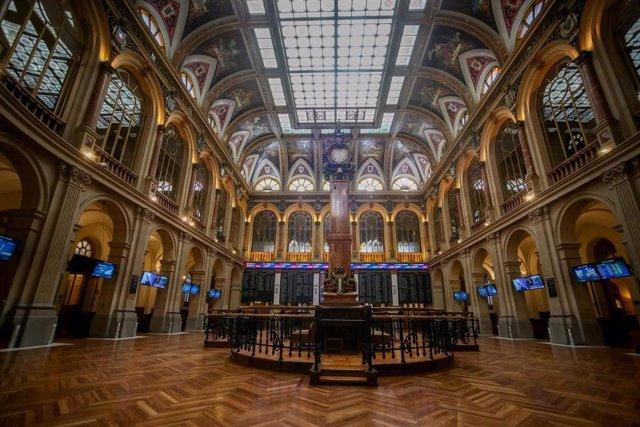 Archivo - Interior del Palacio de la Bolsa, en Madrid (España), a 22 de marzo de 2021.