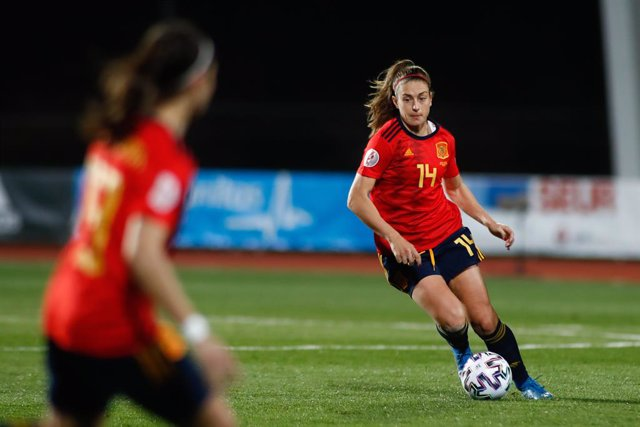 Archivo - Alexia Putellas of Spain in action during the UEFA Womens Euro Qualifying Draw, Group D, football match played between Spain and Poland at Ciudad del Futbol on february 23, 2021, in Las Rozas, Madrid, Spain.