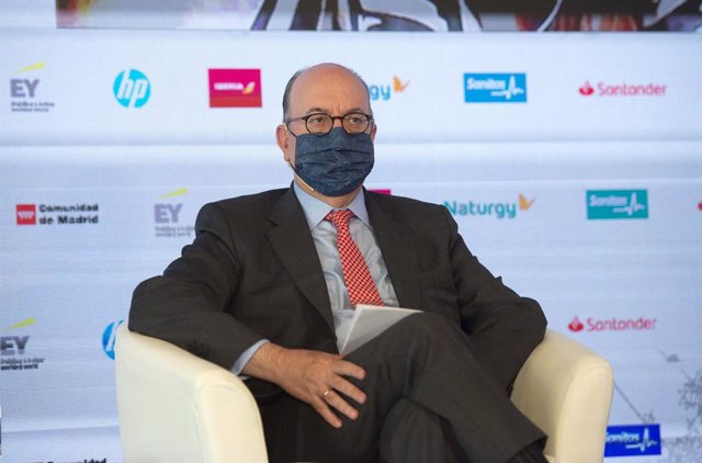 El presidente de AEB, José María Roldán, durante la sesión 'El futuro de las finanzas: tecnología y sostenibilidad', del II Foro Económico Internacional Expansión, a 9 de junio de 2021, en Madrid (España).