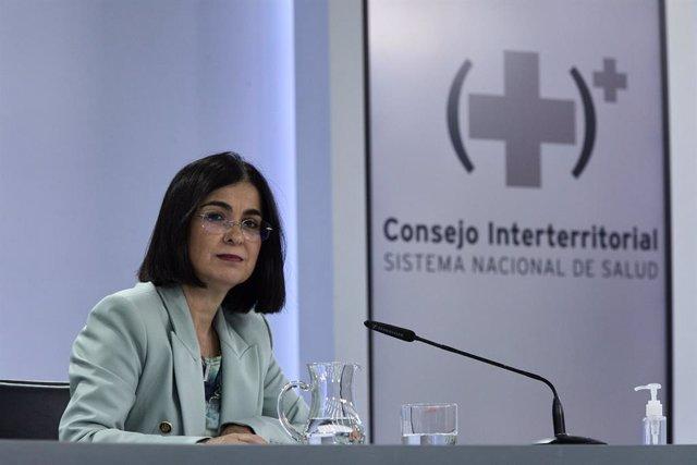La ministra de Sanidad, Carolina Darias, durante la rueda de prensa posterior al Consejo Interterritorial de Salud, a 9 de junio de 2021, en Madrid (España). El Consejo Interterritorial del Sistema Nacional de Salud ha alcanzado un nuevo acuerdo de medida