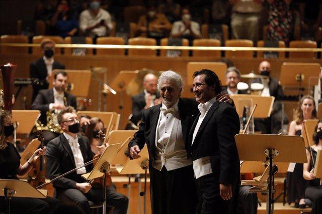 Ovación a Plácido Domingo y Jorge de León después el dúo de La forza del destino