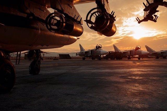 Archivo - Aviones rusos en Siria
