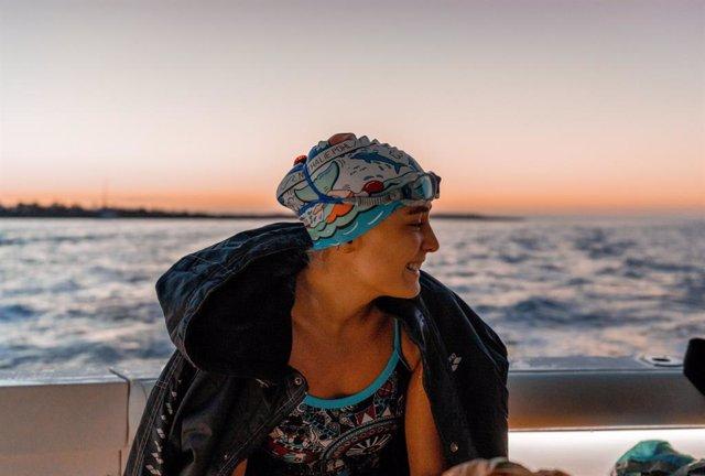 Nathalie Pohl before swimming Menorca ChannelFoto: Marc Le Cornu