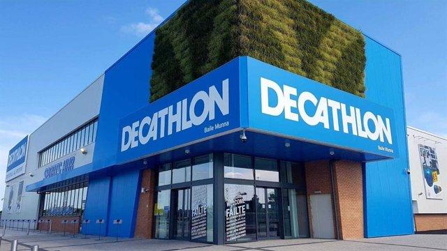 Archivo - Tienda de Decathlon