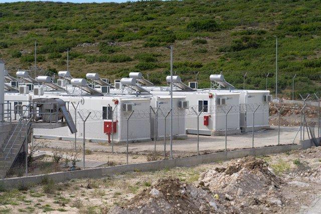 Centro de migrantes construido en la isla griega de Samos