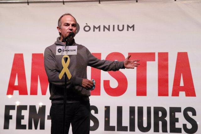 El exconseller de JxCat, Jordi Turull, en un acto al volver a la cárcel de Lledoners, donde será encarcelado en régimen ordinario desde hoy después de que el juez haya revocado su semilibertad