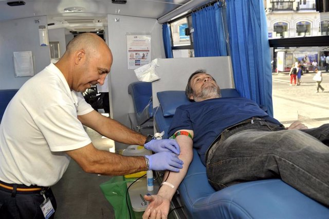 Archivo - Donación de sangre, donar, donando