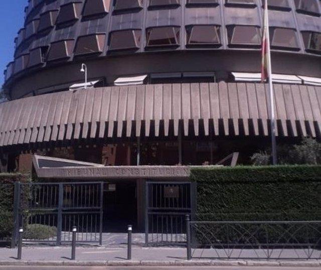 Archivo - Fachada del Tribunal Constitucional.