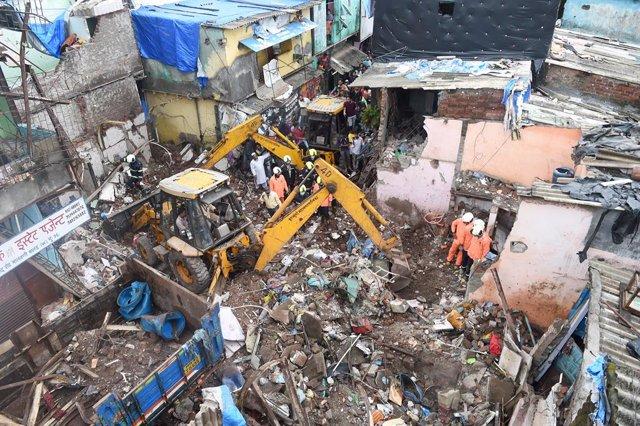 Derrumbe de un edificio en la ciudad india de Bombay