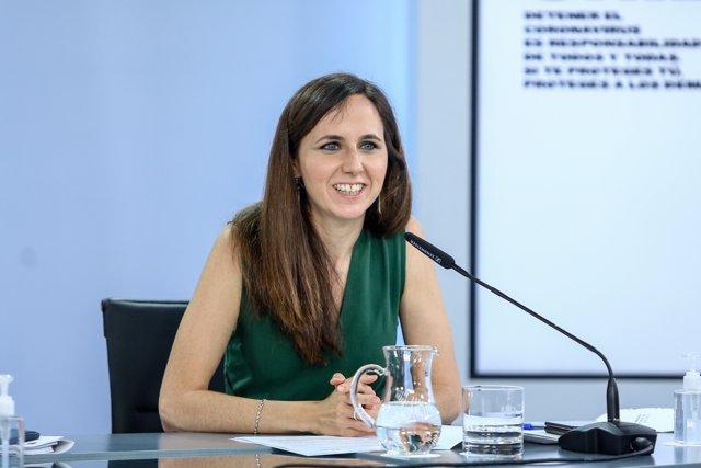 La ministra de Derechos Sociales y Agenda 2030, Ione Belarra, comparece en rueda de prensa tras la celebración del Consejo de Ministros, a 8 de junio de 2021, en el Complejo de La Moncloa, Madrid, (España).