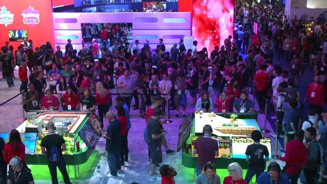 Archivo - Asistentes a la feria de videojuegos E3 2019