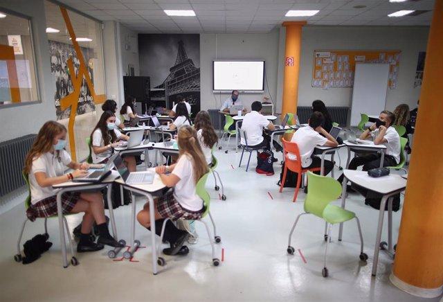 Archivo - Imagen de un colegio en la Comunidad de Madrid.