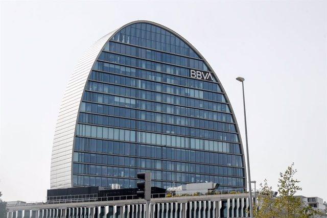 Archivo - La Ciudad BBVA. Edificio sede del banco. La Vela.