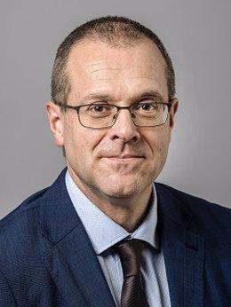 Archivo - Hans Kluge , director regional de la OMS para Europa