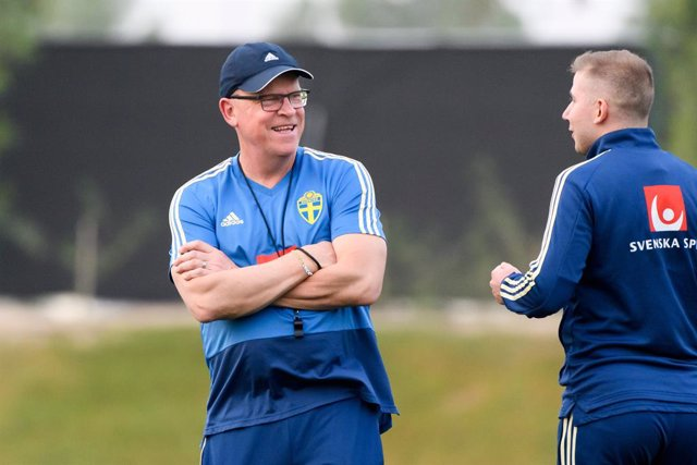 Archivo - 04 January 2020, Qatar, Doha: Sweden's head coach Janne Andersson leads a training session for the Sweden national soccer team during a winter camp in Doha. Photo: Carl Sandin/Bildbyran via ZUMA Press/dpa