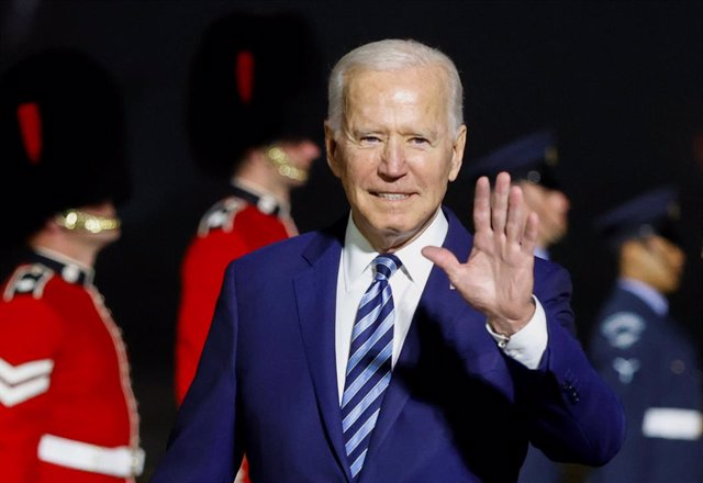09 June 2021, United Kingdom, Newquay: US President Joe Biden arrives at Cornwall Airport Newquay, ahead of the G7 summit in Cornwall. Photo: Phil Noble/PA Wire/dpa