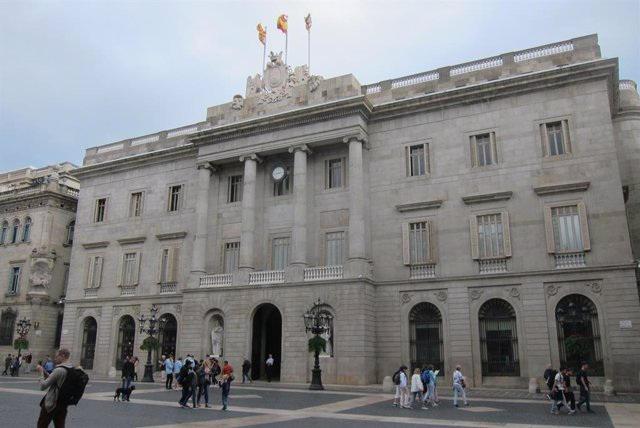 Archivo - Arxiu - Façana de l'Ajuntament de Barcelona.