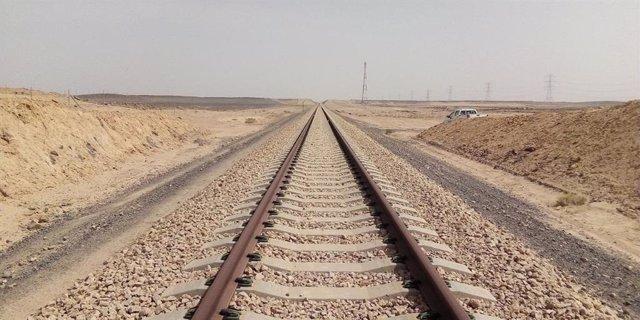 Vías de tren en Arabia Saudí
