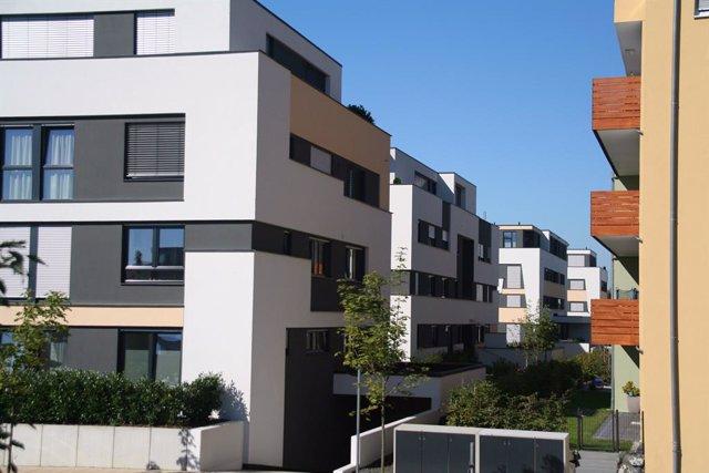 Arxiu - Habitatges amb orientació sud.