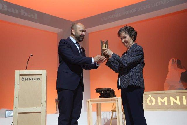 L'escriptora Maria Barbal rep el Premi d'Honor dels Lletres Catalans a Tremp (Lleida)