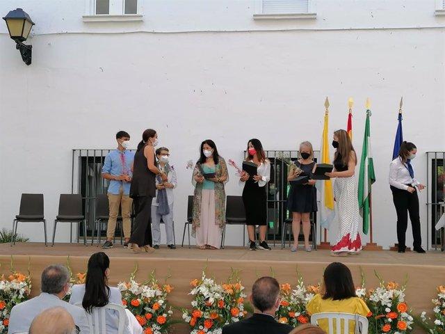 Acto de homenaje a los colectivos educativos en Huelva
