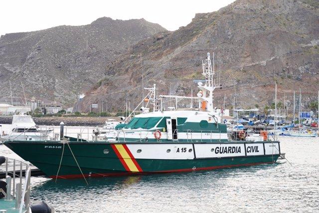 Una patrullera de la Guardia Civil a 10 de junio de 2021, en Tenerife (Canarias). Este barco ha participado en la búsqueda de las niñas desaparecidas de Tenerife.