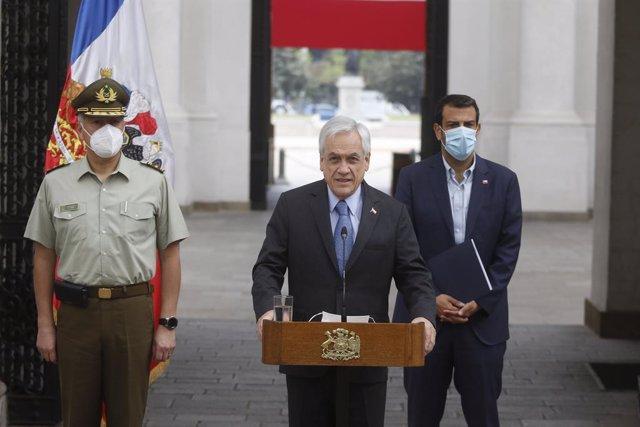 Archivo - Sebastián Piñera acepta la dimisión del director de Carabineros, Mario Rozas