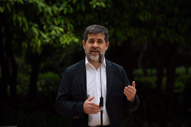 El secretario general de Junts, Jordi Sànchez durante una rueda de prensa en los jardines del Palau Robert, a 17 de mayo de 2021, en Barcelona, Catalunya (España). ERC y Junts han cerrado un principio de acuerdo para desencallar la investidura del candida