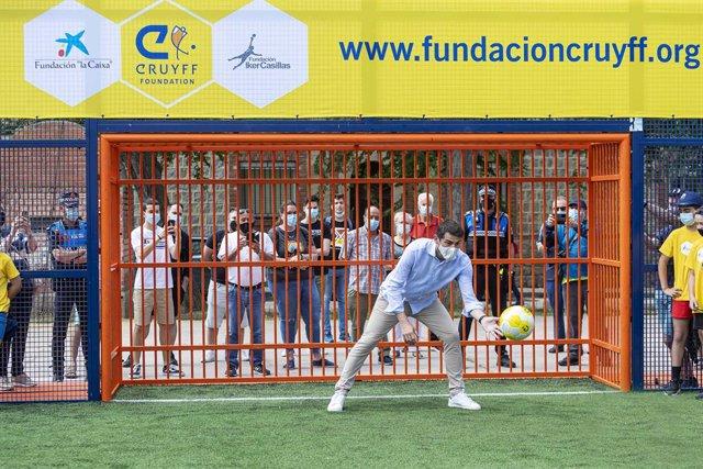 El exportero Iker Casillas en la inauguración del Cruyff Court Fundación Iker Casillas, un proyecto que apuesta por el deporte como vía de inclusión y cohesión social en Ávila