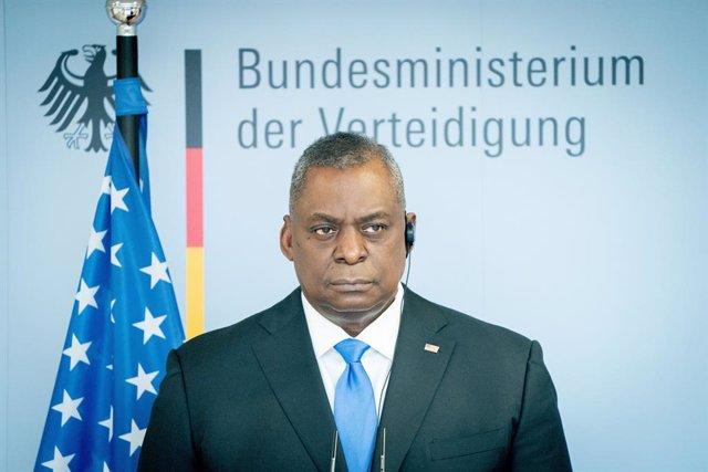 Archivo - 13 April 2021, Berlin: US Secretary of Defence Lloyd Austin speaks during a press conference with German Defence Minister Annegret Kramp-Karrenbauer (Not Pictured) after their meeting at the Federal Ministry of Defence. The United States will bo