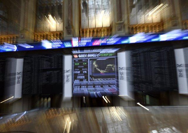 Valores económicos en el Palacio de la Bolsa.