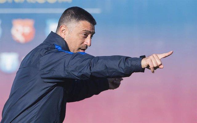 El entrenador Francesc Xavier García Pimienta en su etapa en las categorías inferiores del FC Barcelona, una vez anunciada su rescisión de contrato con el Barça B en junio de 2021