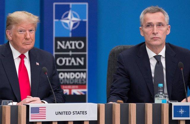 Archivo - El presidente de EEUU, Donald Trump (i), y el secretario general de la OTAN, Jens Stoltenberg