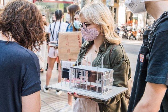 """Alumnes d'Elisava proposen donar una """"segona vida"""" als quioscs de la Rambla de Barcelona"""
